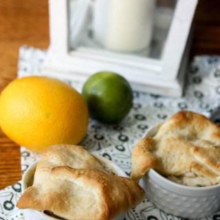 Cold weather means blankets, snuggles and comfort food. And what screams comfort food more than chicken pot pie? This chicken pot pie recipe is so delicious and only 7 Points Plus on Weight Watchers!