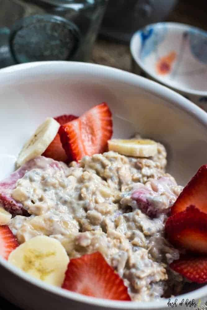 Strawberry Banana Overnight Oats