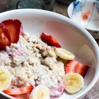 strawberry-banana-overnight-oats 5