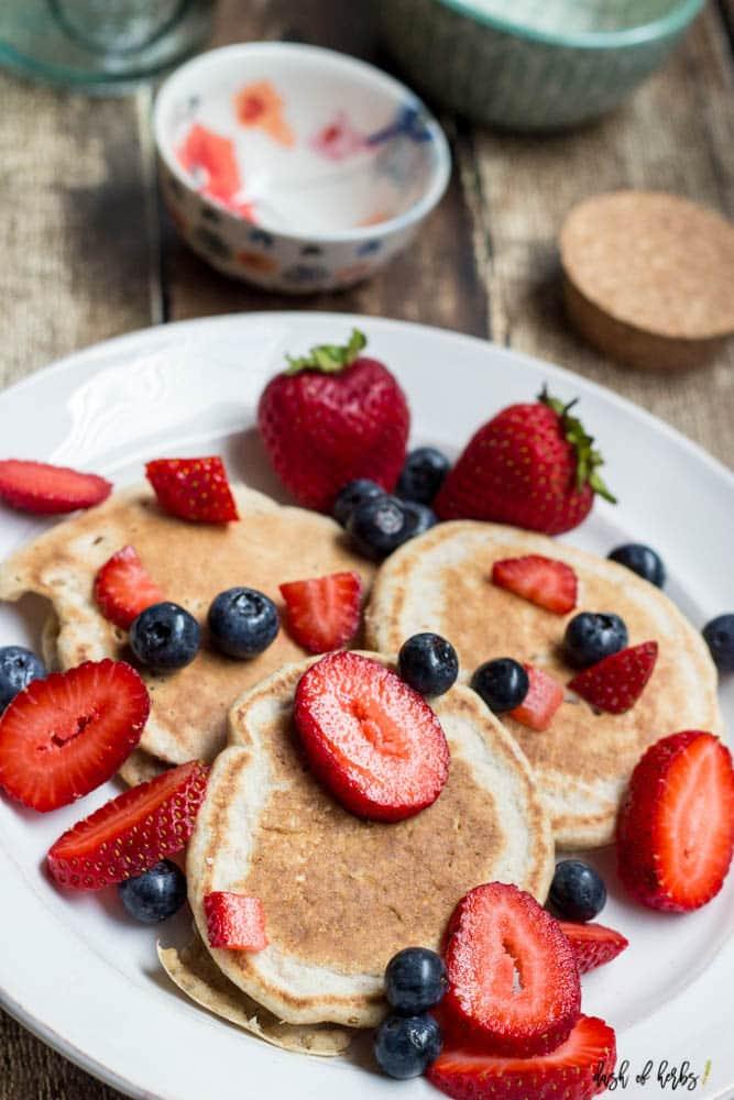 Low Fat Lemon Pancakes