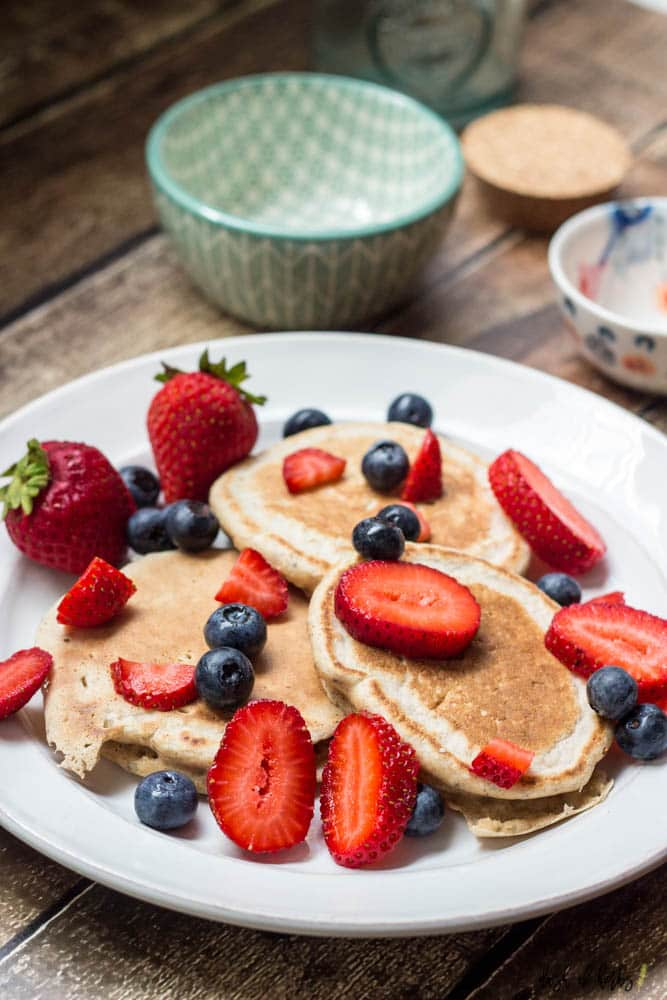 Low-Fat Lemon Pancakes