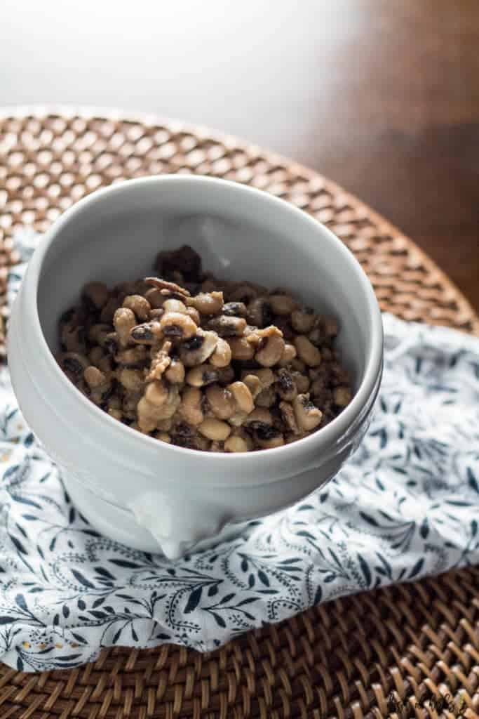 Slow Cooker Black Eyed Peas with Bacon